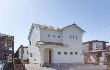 南欧風のお洒落な家の外観