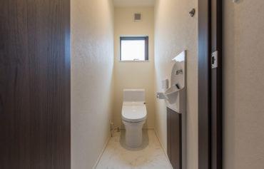 流し付きの使い勝手の良いトイレ