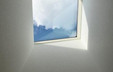 外からの日差しが心地よい天窓