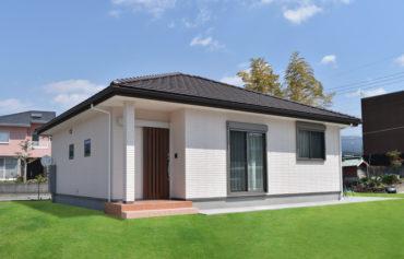 平屋の魅力を活かした、明るくて暮らしやすい家事動線のある家
