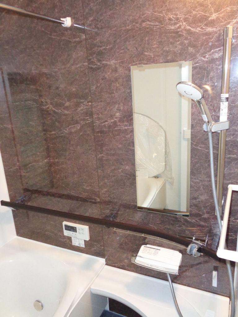 2019年7月水廻り改修工事で施工した浴室壁