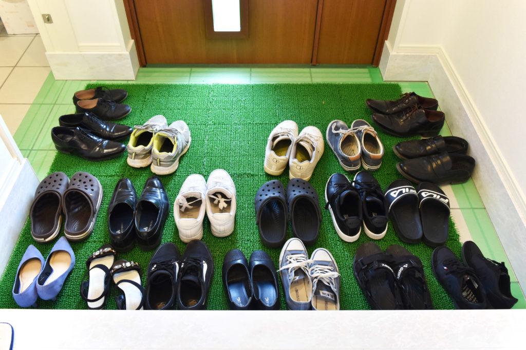 2019年7月見学会で玄関に並んだ靴
