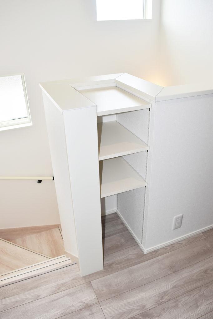 月1日社内検査を行った階段まわりの収納スペース