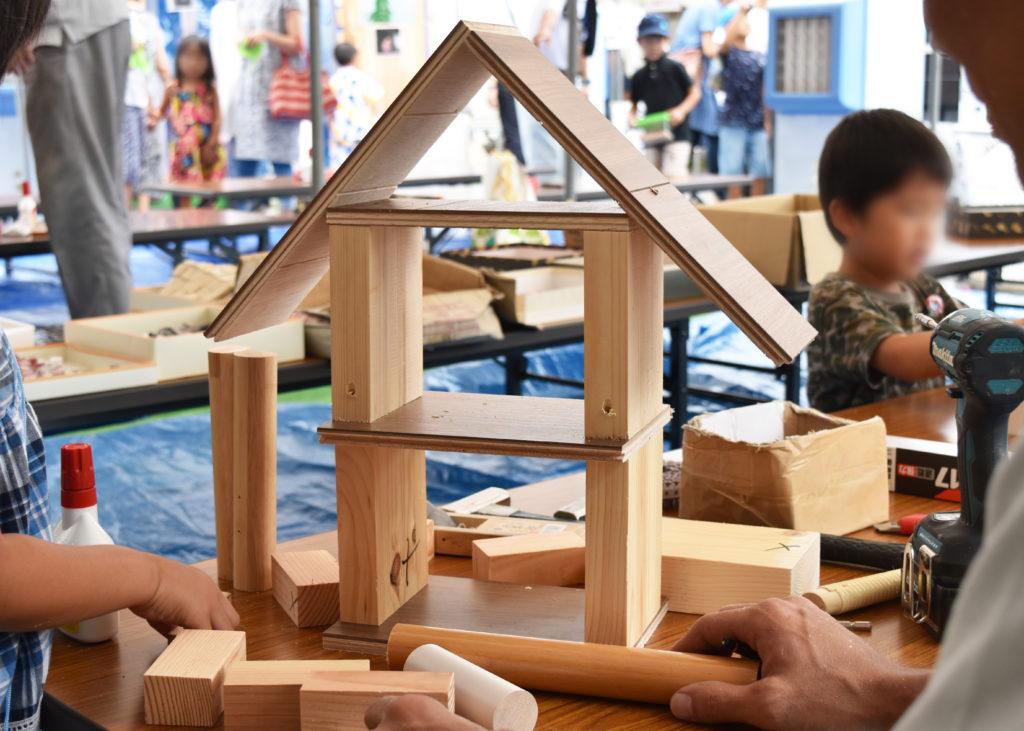 わいわい家族まつりの木工教室