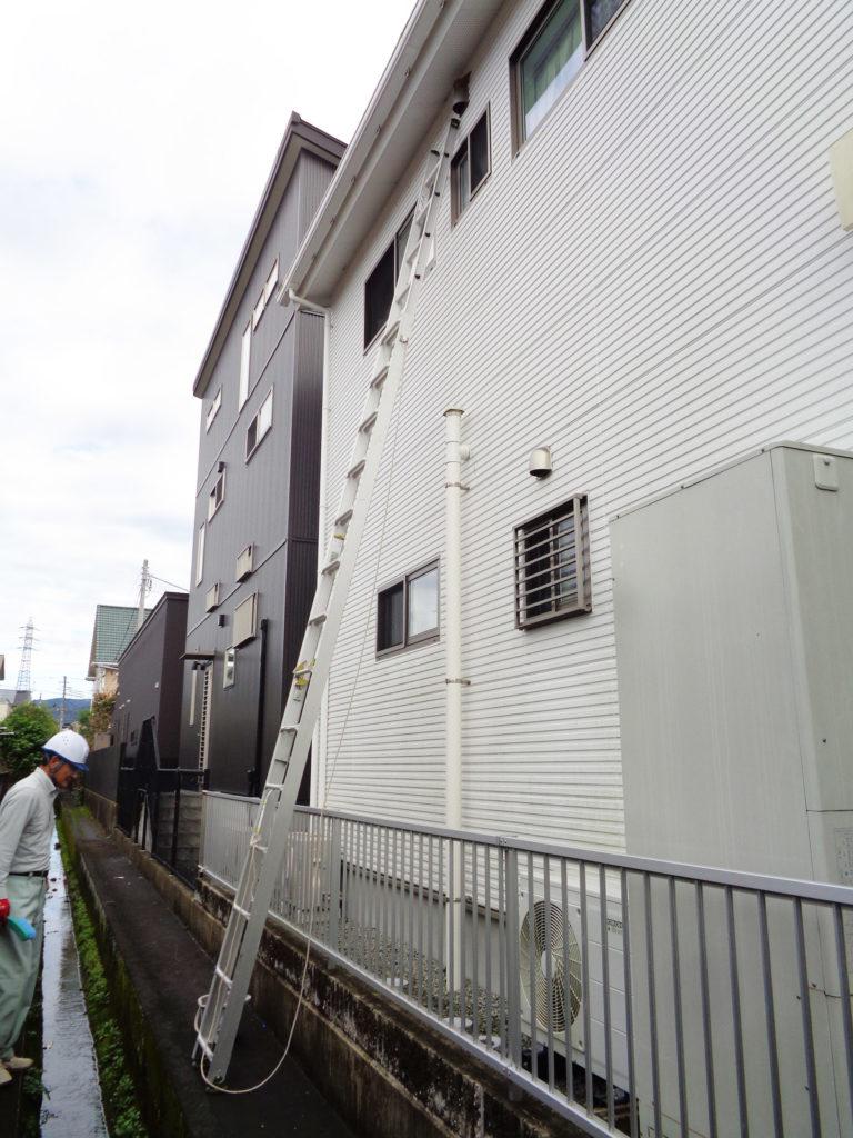2019年10月22日Y様邸のツバメの巣の撤去作業