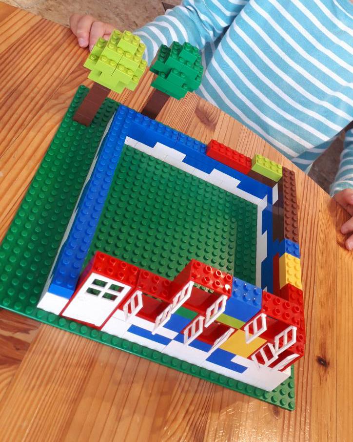 2019年11月1日レゴブロックで作ったお家とお庭