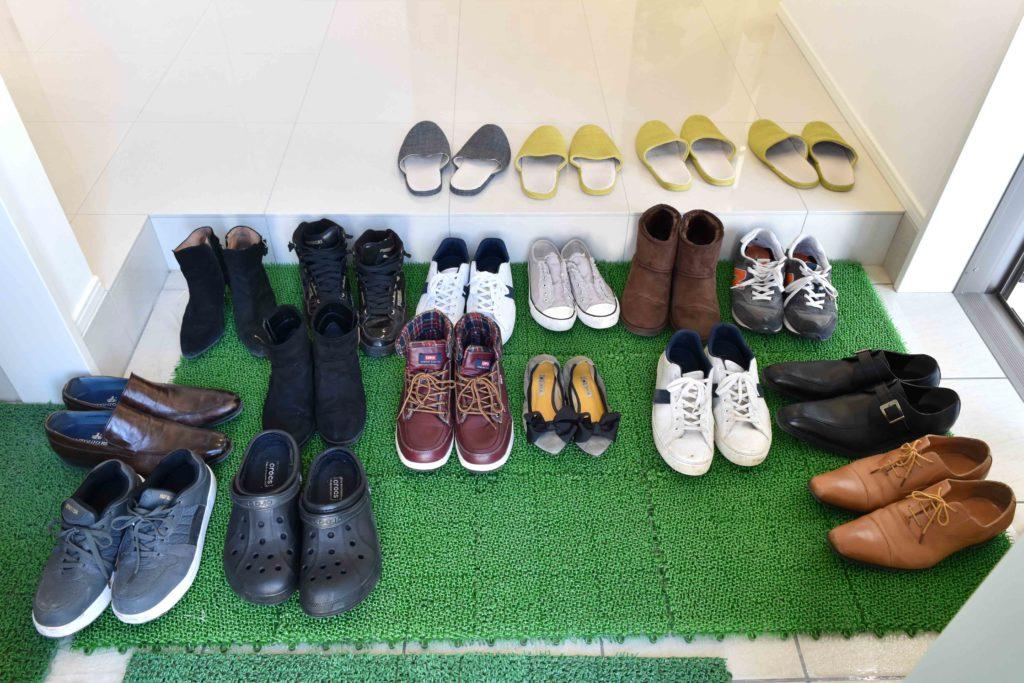 2019年11月30日・12月1日完成見学会での玄関に並んだ靴