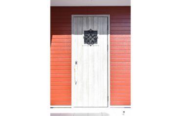 お施主様こだわりの玄関ドア