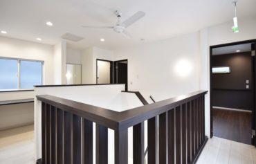 快適な回遊動線と、室内干しが可能な日当たりの良い空間。
