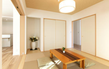 玄関やLDKと繋がる憩いの和室は、客間やリラックス空間に最適!