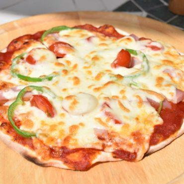 2020年3月21日焼きたての手作りピザ
