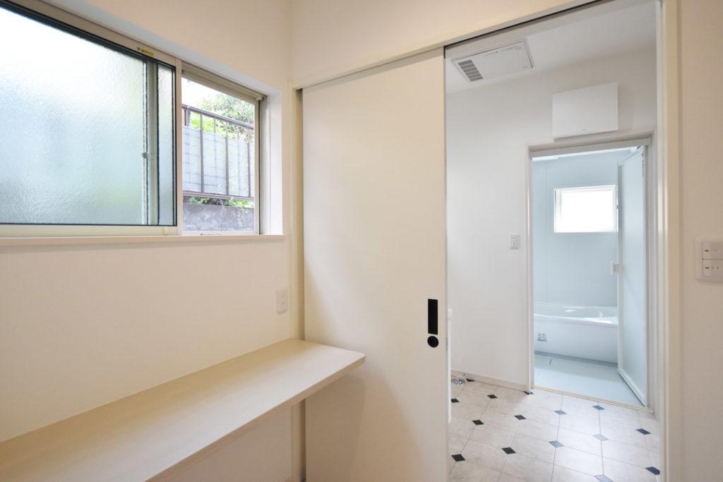 2020年8月21日社内検査_浴室・洗面脱衣室と繋がるランドリールーム