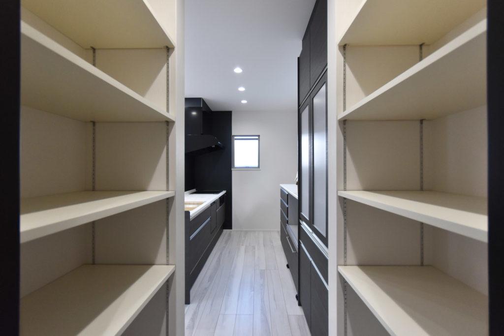 2020年8月27日社内検査1件目_食品庫が併設するキッチン