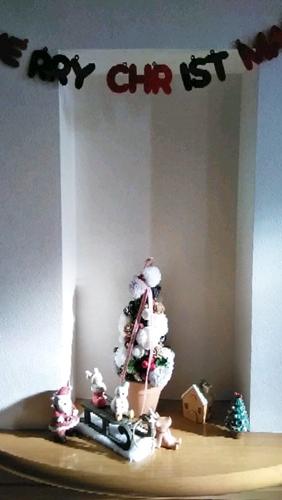 玄関に飾ったクリスマスの装飾