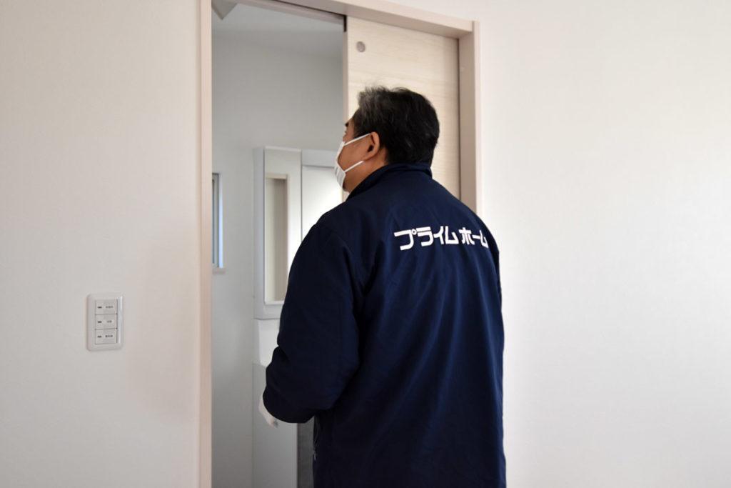 2020年12月17日社内検査_ドアの動作確認をしている様子