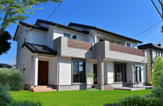 ちょうどいい距離感が心地よい完全分離型の二世帯住宅。