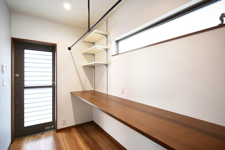 2021年3月18日社内検査_キッチンと洗面脱衣室に繋がる便利なユーティリティスペース