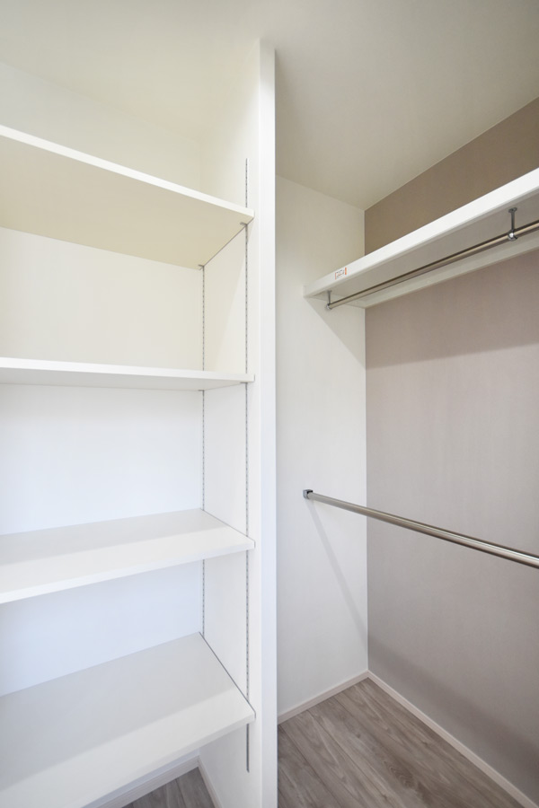 2021年3月18日社内検査2_主寝室に併設するウォークインクローゼット