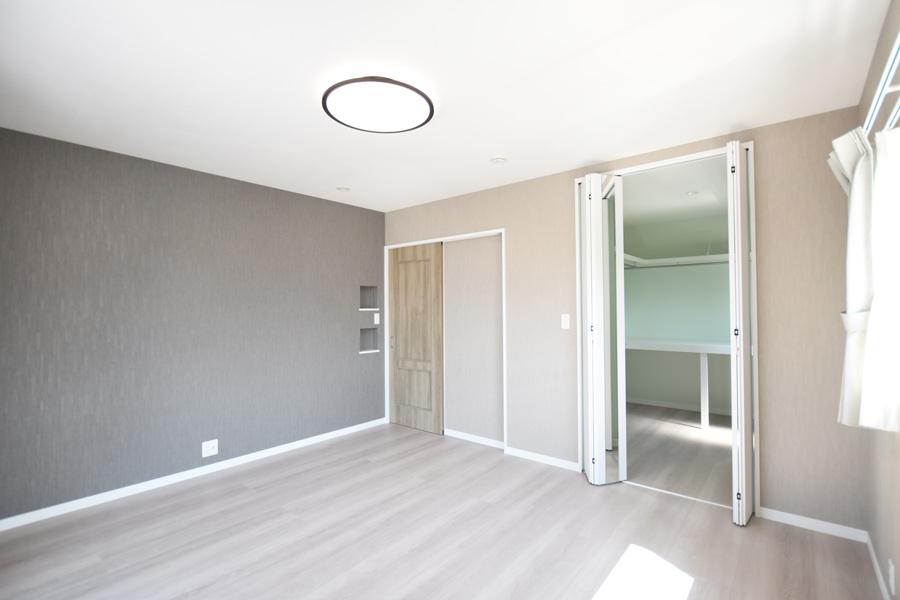 2021年6月10日社内検査_落ち着いた色合いの居心地の良い主寝室