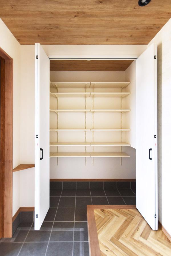 2021年8月26日社内検査2_玄関に設置した靴がたっぷり収納できる玄関クローゼット