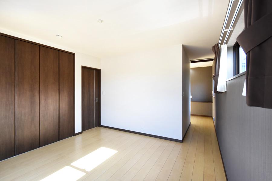 2021年9月27日社内検査_収納と書斎を完備した快適な主寝室
