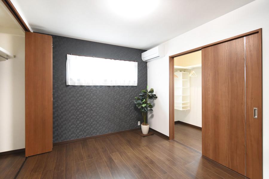 2021年9月2日社内検査_クローゼットとウォークインクローゼットを完備した収納力のある主寝室