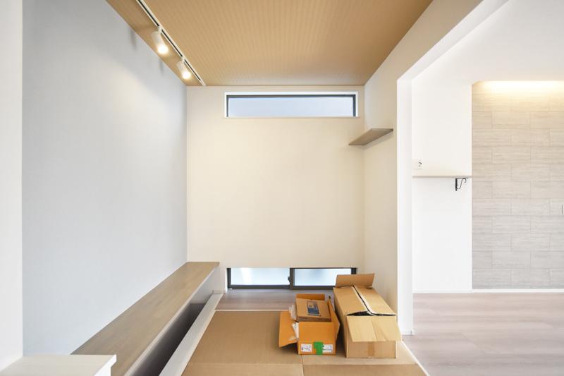 2021年9月24社内検査_LDKの一角に配置したデスクカウンターのある畳コーナー