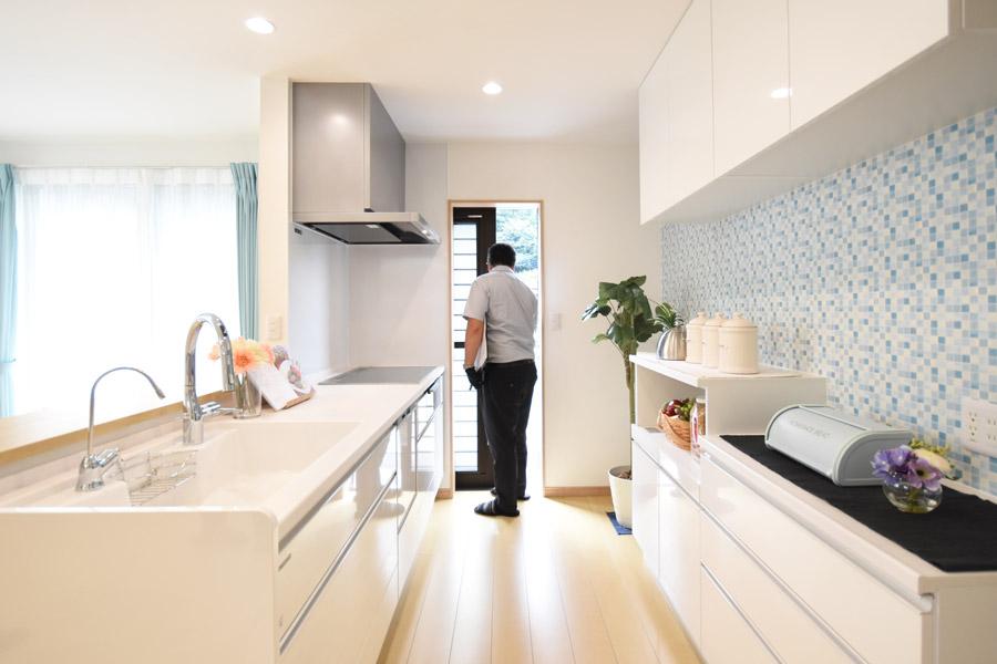 2021年9月2日社内検査_日当たりの良いキッチン