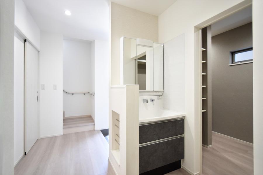2021年9月24日社内検査_玄関ホールに設置した便利な洗面台