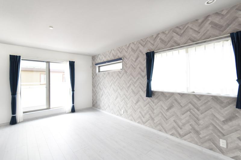 2021年10月7日社内検査_セカンドリビングがある明るい主寝室