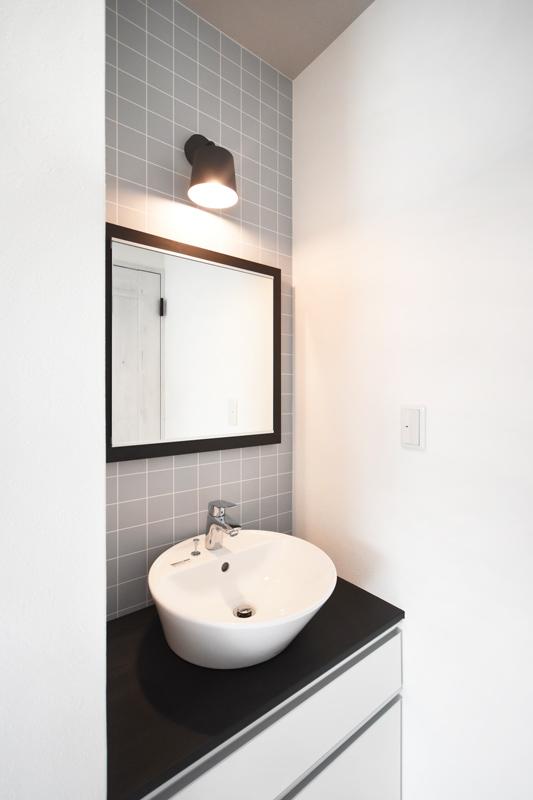 2021年10月7日社内検査_2階に設置したお洒落な洗面台
